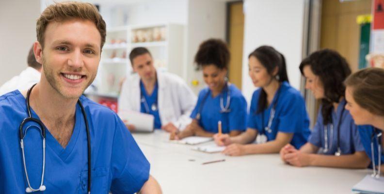 travel_nurse_getting_report